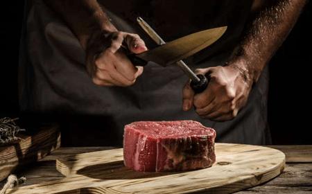 cat-5_steak-specials-min